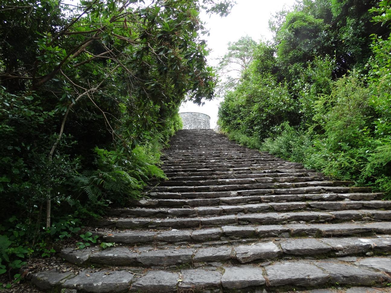 Trap naar Mortello Tower
