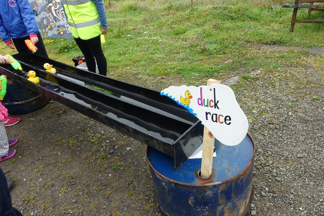 Duck Race met waterpistolen