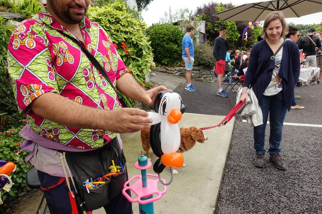 Van ballonnen gevouwen pinguïn